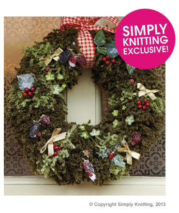 berry-wreath-right-366