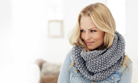 Knit a snood with this pattern from Deramores