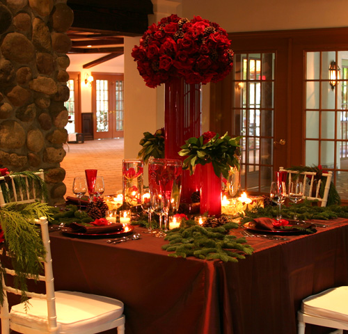https://marizampa.files.wordpress.com/2013/12/e9257-christmas-table2.jpg