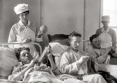 Men-Knitting-Shorpy2
