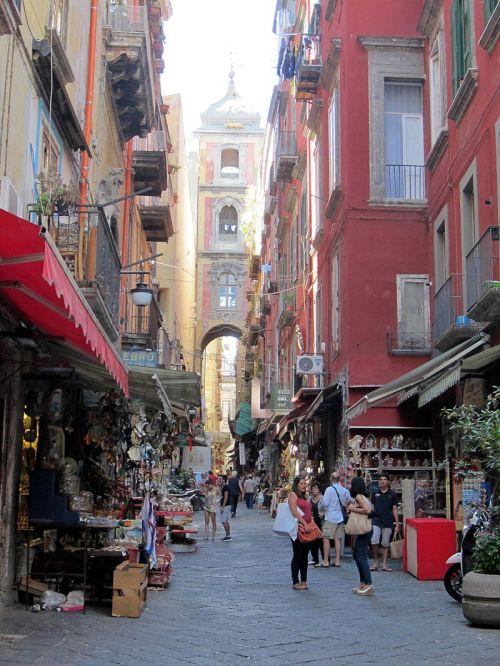 Napoli_-_Via_San_Gregorio_Armeno