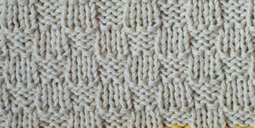 Baby_Blanket_beige_line_pattern_2
