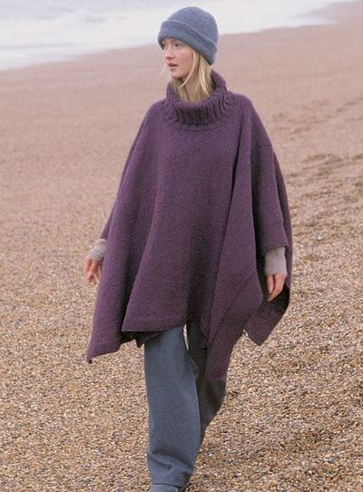 Turtleneck-Knit-Poncho_Large400_ID-974281