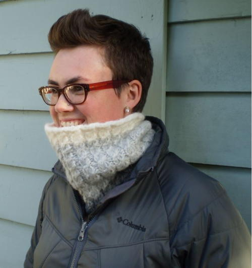 snowbound-cable-knit-cowl_large500_id-1749651